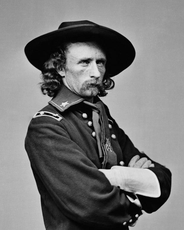 800px-Custer_Bvt_MG_Geo_A_1865_LC-BH831-365-crop