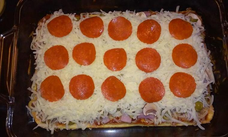 frf pizza topped raw
